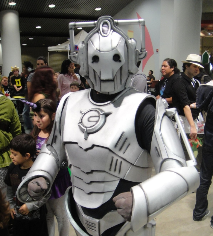 comikaze_expo_2011_-_cyberman_from_doctor_who_6325368748.jpg